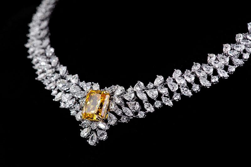 The Jewellery of Elizabeth Taylor   JAKE Blog
