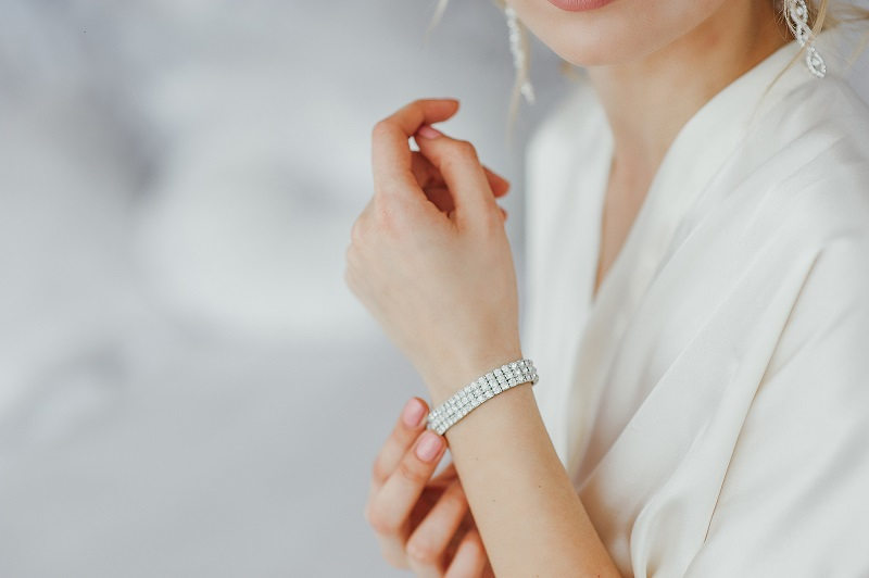 How_To_Wear_A_Bracelet
